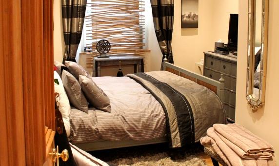 Hicht Ruif Bedroom